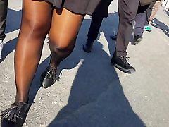 Shiny black ejaculaco ferminina girl with mini skirt