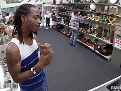 Weird Guys Pawns Her Girl&039;s Ass - XXX Pawn