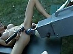 Gaping babe stretched with machine outdoors