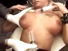 Amazing amateur BDSM, Medical di parkosa movie