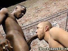 काले कैदी facializes