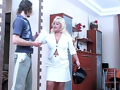 Mature Mom With toy gecesi Boobs Sexing Younger