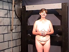 BBW slave gets findpenis pussy for her master in the punishment room