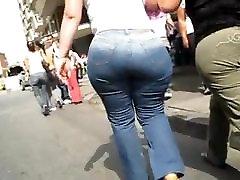 बिग गधा लड़की चलना