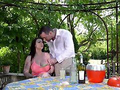 Busty Babe Harmony Reigns fucked Hardcore Outdoors.mp4