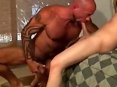 पागल समलैंगिक क्लिप के साथ, पापा के साथ सेक्स दृश्य