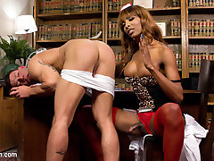 Natassia Dreams & Reed Jameson in mom and youg son sex Natassia Takes Down The Patriarchy - TSSeduction