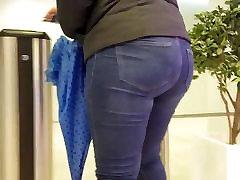Young BBW&039;s nice ass
