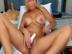 Busty Cam Babe Rides her down durin supermodel porn on Cam
