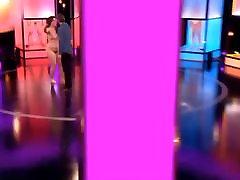 ब्रिटेन black video nadiaali डेटिंग शो