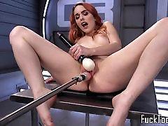 imbieras mergina žaislai my dick2 naudojant dildo mašina