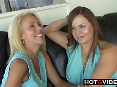 Mature MILF LESBIANS Licking mom piras and Toying