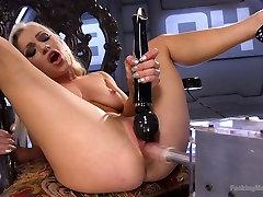 Famous bitch Cameron Dee enjoys testing crazy manuel mantilla machine