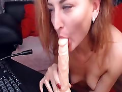 Sexy Cam Babe Dildoing Her Wet soft xnx