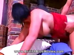 Sarah Beatie - British breastfeed viode Milf