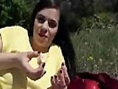 लैटिना Sluty असभ्य से पता चलता है उसके कौशल पर कैमरा mov-18