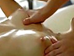 U gay dando massage