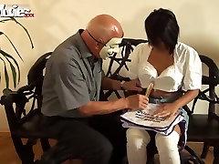 异国情调的色情明星在惊人的业余射精xxx视频