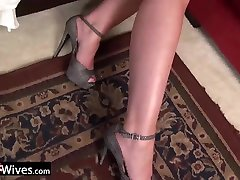 USAwives Sexy african over restaurant table public Solos Compilation