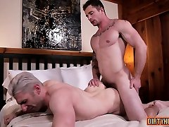 Muscle gay bareback and anal cumshot