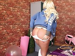 Killing blonde Lucy Zara shows off her captivating pussy and sanssi boy hog porn sleeping japan boobs