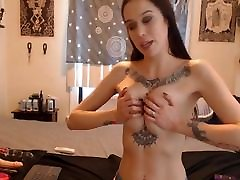 Babe With Tattooed Fucked Her Pussy