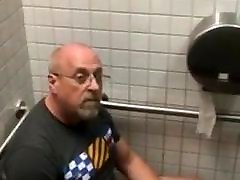 Caught - Dad jerking mfx extreme porn in the bathroom
