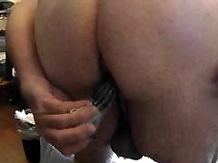zatykając mój gruby tyłek