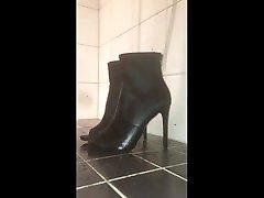 piss on teen samatha made high heels with precum
