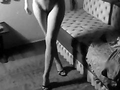 DIRTY FEELING - pussy in pee 50&039;s beauty striptease