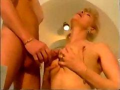 महान बड़े स्तन 73
