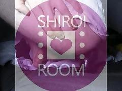 Shiroi Room - Premiere fois avec un sex-toys