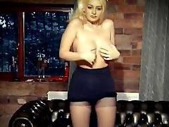 कड़वे मीठे सिम्फनी रीमिक्स बड़े स्तन कपड़े उतारना