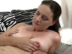 Beautiful mature mom fucks and gets cuni from son