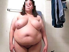 Sexy chusna doodh takes it off