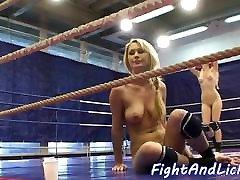 Hugetits euro wrestles petite beauty
