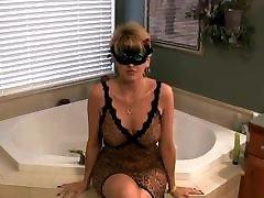 Amateur swiss bangbus Facial In Bath Room