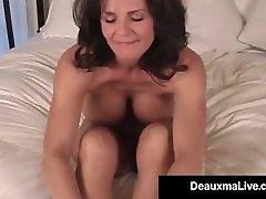 milf zrelih deauxma kaže off prsti group holiday sex & podplati v postelji gola!