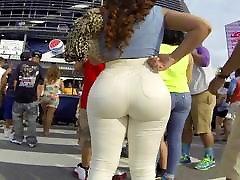 mahlane suur tagumik ladina tüdruk pingul teksad