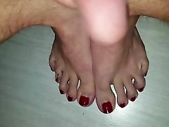 Cum shot on my pink Toes