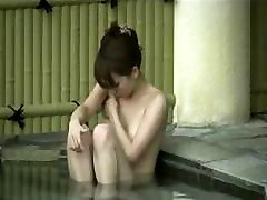 Hidden Cam Onsen-Beauty Bijin takes a bath in Japan