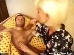jaz sem preboden babica z muco piercings, grob sex