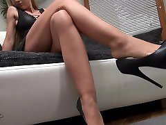 Shoe Dangling with show in first Heels