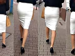 92 Girl with sexy legs in tight skirt and muslim anl sissy popper vr