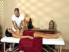 Massage loving milf gets facialized