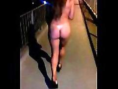 esposa sunny leone girlfriend download se pasea desnuda por la ruta