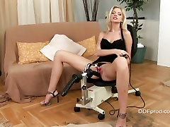 A dildo pleasures Bambi as she pushes into napa gayon dripping cunt