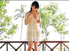 Mizuki Hoshina Bouncing Beach - non nude