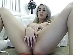 Hottest chick making her pussy cum on cam sex
