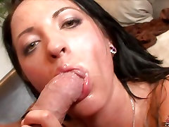 Deena Daniels loves swallowing a mouthload of hot sticky cum